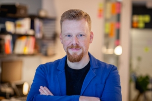 Tobias Knoll